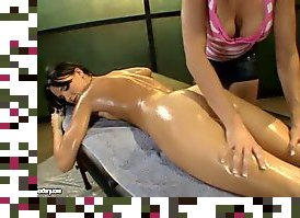 lesbian pussy licking oil massage